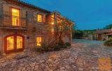 Malinska, dvije ekskluzivne kamene kuće s uređenom