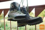 Prodam Ž visoke pohodniške čevlje La sportiva 39